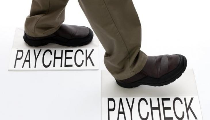 6 Ways to Budget Better if You're Living Paycheck to Paycheck